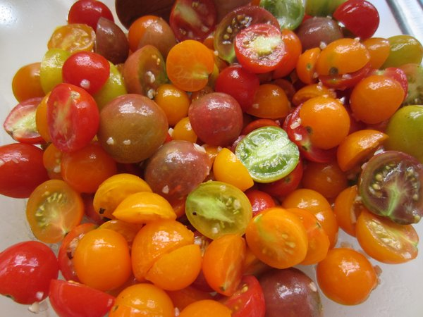 A successful tomato salad (that — amazingly — doesn't taste like salsa).