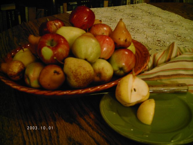 Pears and apples from Stony Ridge Farm, available at Cottin's Hardware Farmers Market.