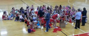 LHS Little Lions participants receive their pom poms 