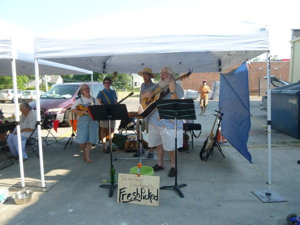Fresh Picked will play a free concert at Cottin's Hardware Farmers Market, Thursday, October 11, 2012!