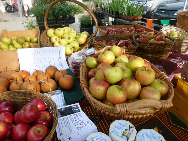Fieldstone Orchard has an amazing selection of locally grown organic apples and Asian pears available at Cottin's Hardware Farmers Market, Thursdays, through October.