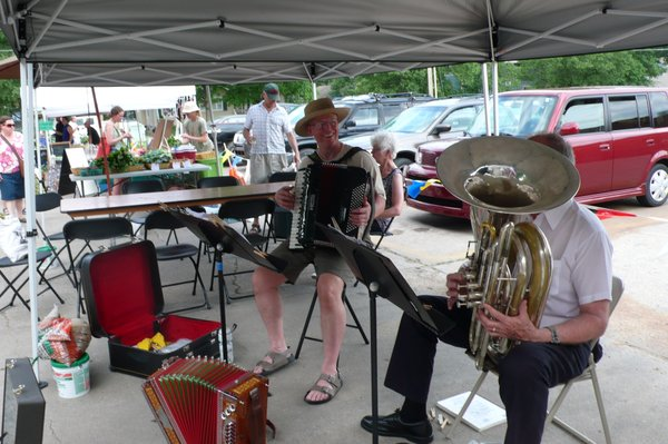 Rag x 2 accordion tuba duo will play at Cottin's Hardware Farmers Market, Thursday, October 25, 2012.