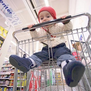 Shopping carts can cause injuries if not used appropriately. uploaded