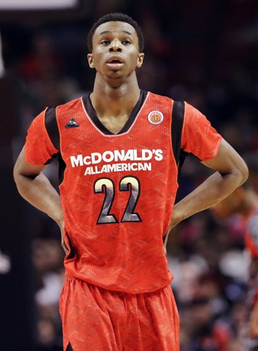 McDonald&#39;s East All-American&#39;s Andrew Wiggins looks up during the first half of the McDonald&#39;s All-American boys basketball game in Chicago, Wednesday, April 3, 2013.