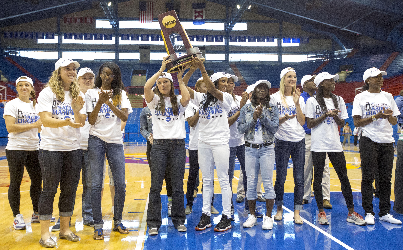 University of kentucky basketball national championships
