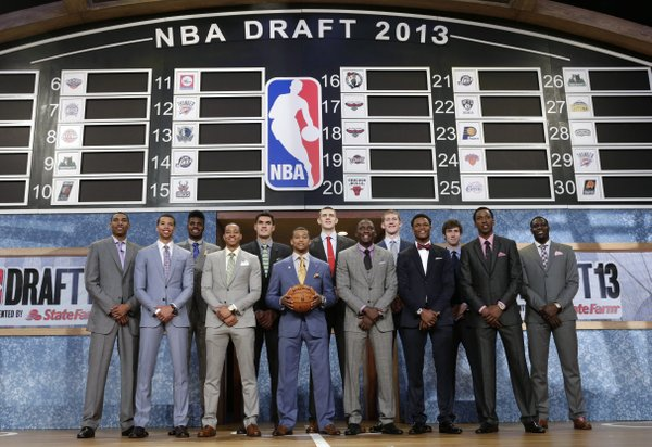 Members of the 2013 NBA basketball draft class pose together before the first round of the draft, Thursday, June 27, 2013, in New York.