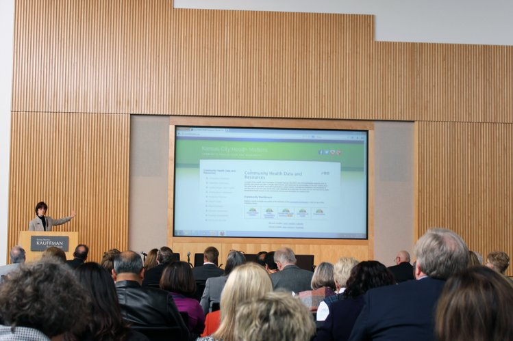 Dr. Bridget McCandless, president and chief executive of the Health Care Foundation of Greater Kansas City, introduced attendees at a Wednesday health forum in Kansas City, Mo., to a new health website created by the foundation.