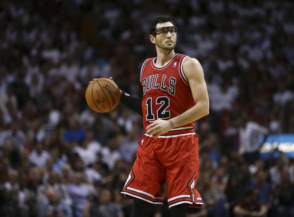 Chicago Bulls' Kirk Hinrich during the second half of a NBA basketball game in Miami, Tuesday, Oct. 29, 2013. The Heat won 107-95. (AP Photo/J Pat Carter)
