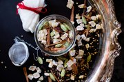 This homemade dry chai tea mix contains warm spices like cardamom, nutmeg, cloves and cinnamon.