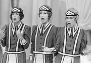 "Vicki Lawrence, right,  does a skit on the show, ""Carol And Company,"" with Carol Burnett, center, and actress Penny Marshall in Los Angeles, Aug. 20, 1979."