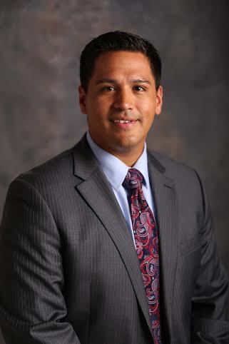 Dr. Luis Salazar