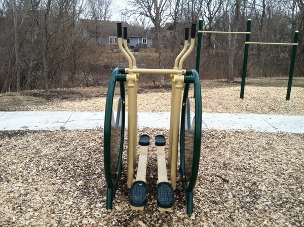 A cross-country skiing workout machine at the Deerfield Park Fitness Zone.
