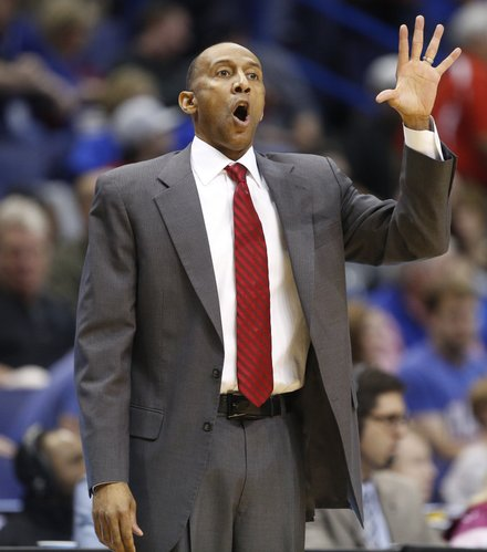 Stanford head coach Johnny Dawkins calls a play during the first half on Friday, March 21, 2014 at Scottrade Center in St. Louis.