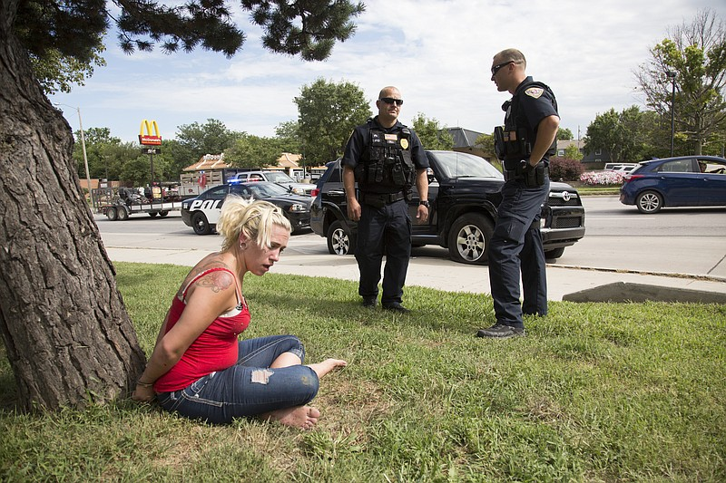 3 suspects in custody after high speed police chase ends - Garden city michigan police department ...