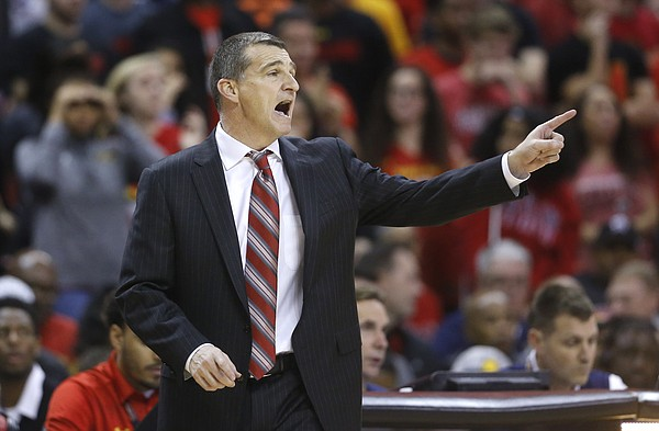 Maryland head coach Mark Turgeon directs his players in the second half of an NCAA college basketball game against Penn State, Wednesday, Dec. 30, 2015, in College Park, Md. (AP Photo/Patrick Semansky)