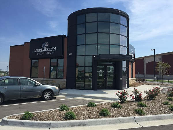 MidAmerican Credit Union has built a new facility right behind the CVS near Sixth and Wakarusa.