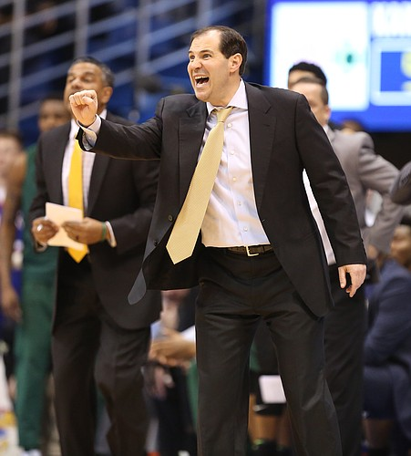 Baylor head coach Scott Drew tries to get the attention of his players during the second half, Wednesday, Feb. 1, 2017 at Allen Fieldhouse.