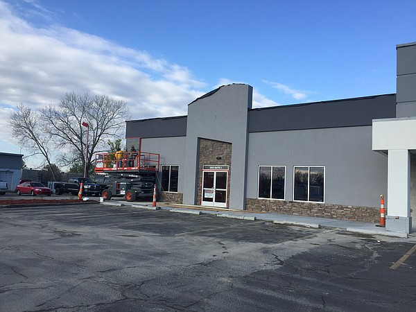 Future site of HuHot Mongolian Grill at 25th and Iowa.