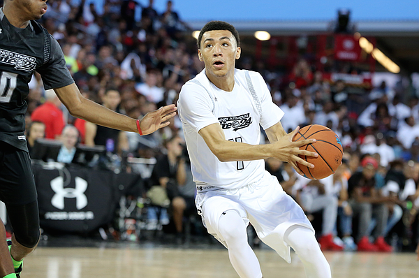 Team Clutch's Jahvon Quinerly #4 in action against Team Drive in the Under Armour Elite 24 game on Saturday, August 20, 2016 in Brooklyn, NY. (AP Photo/Gregory Payan)