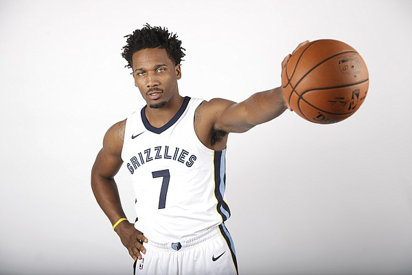 Memphis Grizzlies guard Wayne Selden Jr. poses during the team's NBA basketball media day Monday, Sept. 25, 2017, in Memphis, Tenn. (AP Photo/Mark Humphrey)