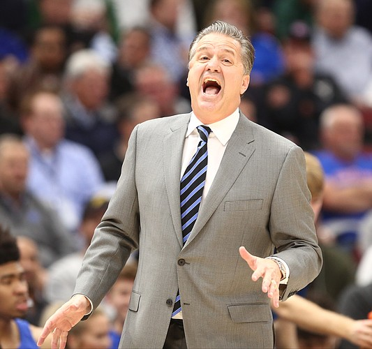 Kentucky head coach John Calipari has words for an official during the first half on Tuesday, Nov. 14, 2017 at United Center.