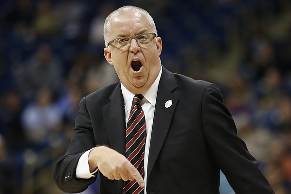 Nebraska-Omaha head coach Derrin Hansen yells at the referees during the first half of an NCAA college basketball game against Pittsburgh, in Pittsburgh on Wednesday, Dec. 21, 2016.