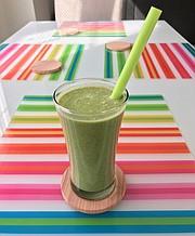 A top o' the mornin' tropical green smoothie (minus avocado)