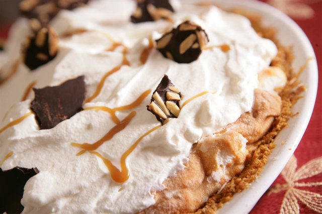 Pumpkin Ice Cream Pie with Toffee Sauce and Chocolate- Almond Bark ...